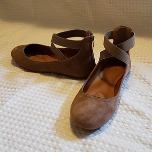 Suede ballet flats with straps